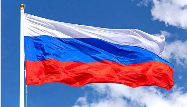 Флаг и гимн страны – это ментальные танки и пушки