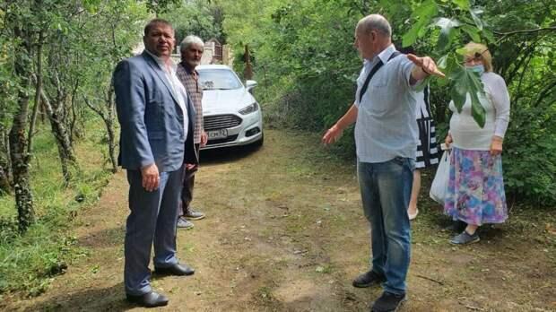 В Минимуществе Крыма ведется активная работа по решению социально значимых вопросов, указанных в обращениях граждан