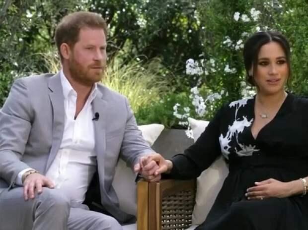 Принц Гарри проигнорировал день рождения королевы и улетел к Меган