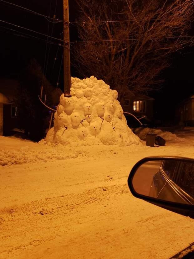 снеговики взрослые поделки из снега