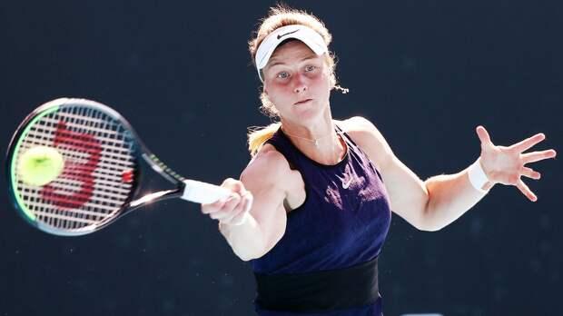 Самсонова уступила Мартич во 2-м круге турнира в Парме