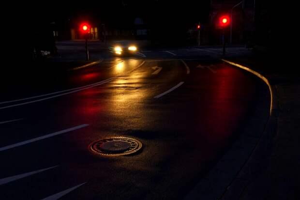 Ночная дорога. Фото: pixabay.com