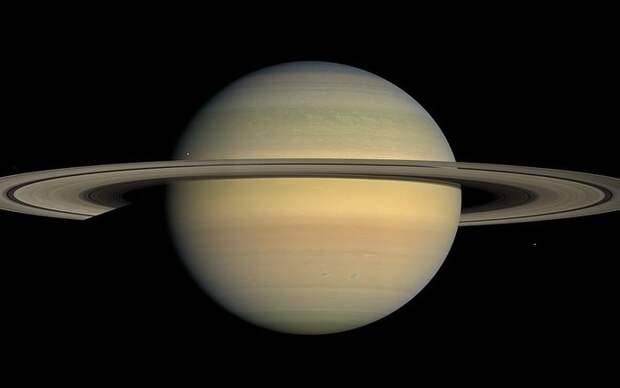 Cassini еще раз нырнул в кольца Сатурна