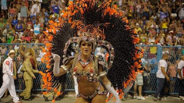 Власти Рио-де-Жанейро приняли решение провести осенний карнавал