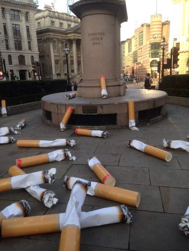 Лондон завалили гигантскими окурками