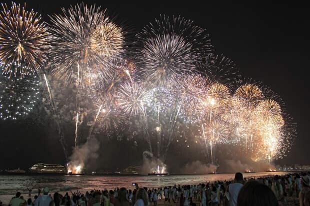 Причудливые новогодние традиции в разных странах-2