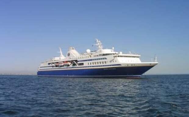 Морской лайнер и плавучий университет «Explorer»