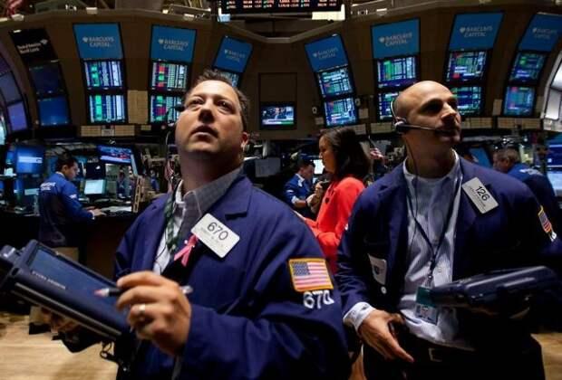 Рынок нефти колеблется из-за равнозначимости факторов