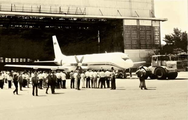 пассажирский самолет ссср, самолет ил-114, первый самолет ил-114