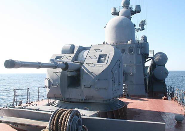 Ракетный катер и тральщик ТОФ провели артиллерийские стрельбы по морским и воздушным целям в Японском море