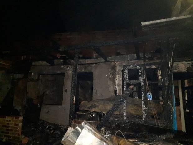 Беда не приходит одна: После похорон сына у ялтинской семьи сгорел дом