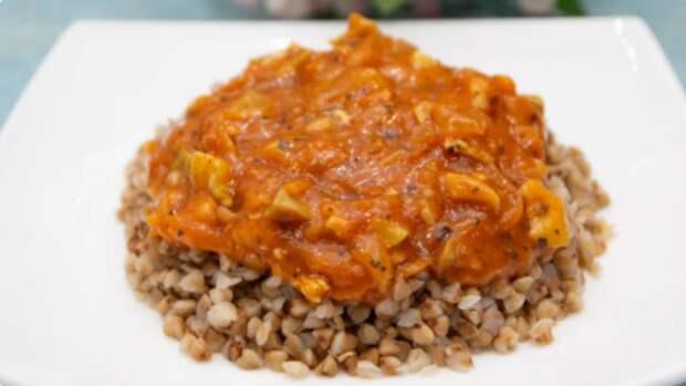 Рецепт томатной подливы, которая придаст любому гарниру потрясающий вкус