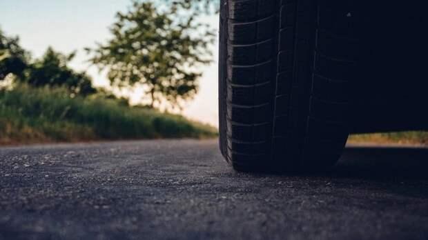 В результате столкновения Cadillac и Skoda в Ленинградской области погибла женщина