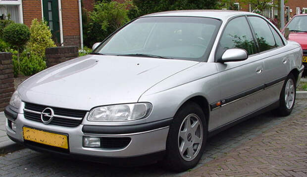 Opel Omega – немецкий бюджетный седан бизнес-класса. | Фото: ru.wikipedia.org.