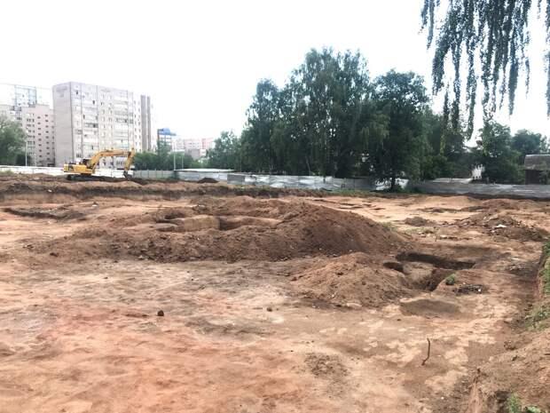 Новое наименование Минсвязи Удмуртии, раскопки в центре Ижевска и перегруз черноморских курортов: что произошло минувшей ночью