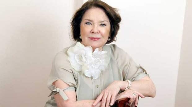 Актрису Ларису Голубкину вновь госпитализировали