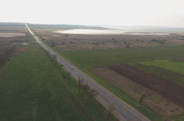 На подъезде к Керченскому мосту восстановили 30 км дорог