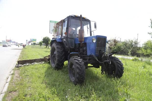 Косить траву вдоль дорог в Ижевске будут тракторами