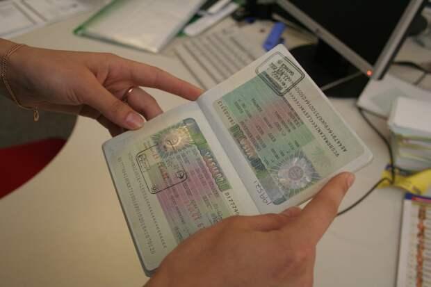 Канада обещает ввести безвизовый режим для Болгарии и Румынии