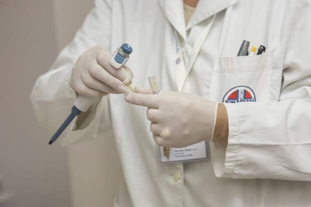 Российскую вакцину от COVID-19 обещают создать к концу июля