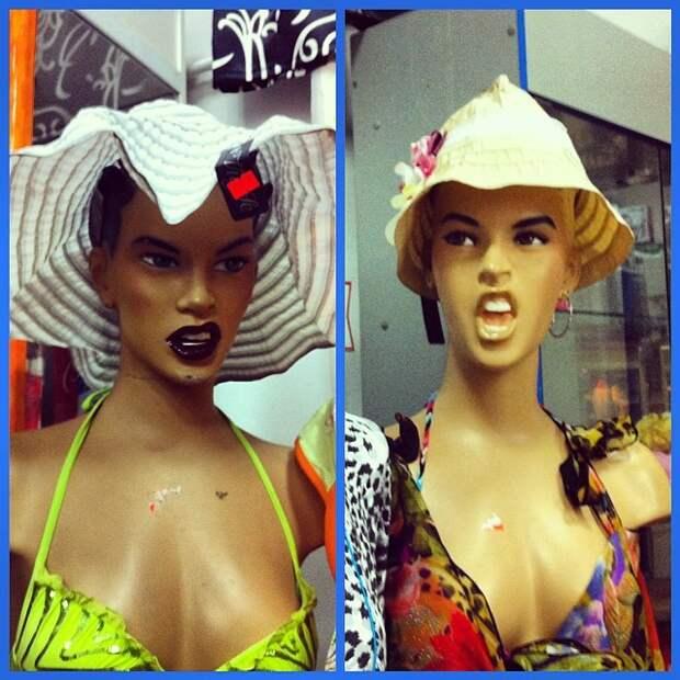 7. Дерзкие девчонки! С таких и панамку страшно снимать для примерки витрина, креативно, мерчендайзер, оформление, с юмором