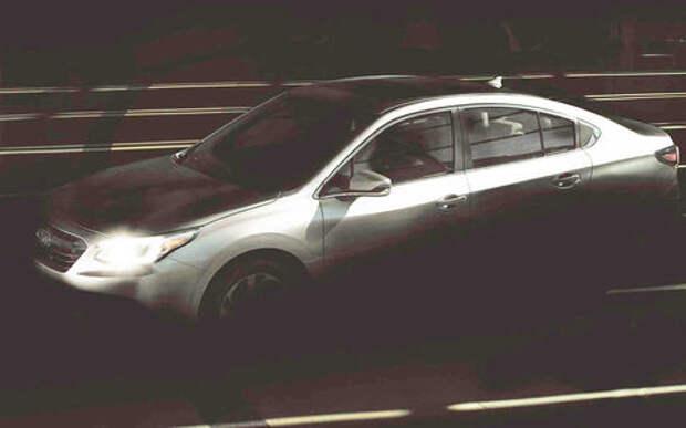 Новая Subaru Legacy получит салон в стиле Теслы и Volvo