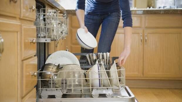 Пока варится суп, загрузите посуду в посудомоечную машину. / Фото: annamotovilova.ru