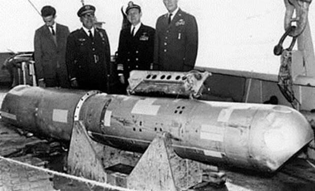 Самолет Пентагона потерял ядерную бомбу: место засекретили на 30 лет