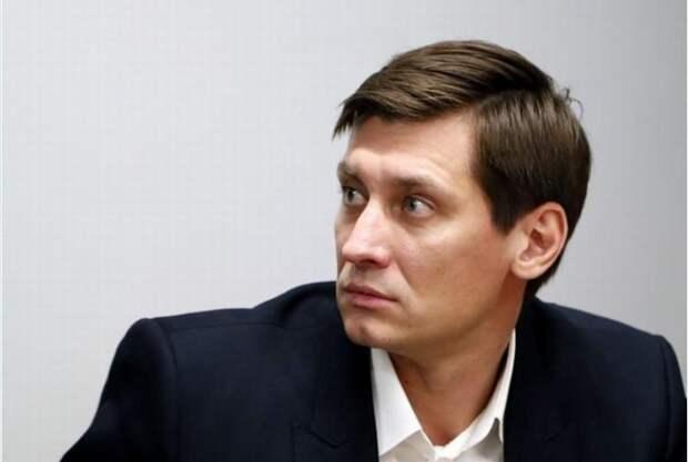 У Дмитрия Гудкова и его сообщников проходят обыски. Сбежавшие оппозиционеры визжат из-за рубежа