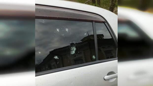 Разбитые стекла изалитый памятник. Появилось видео последствий «гейзера» вОмске