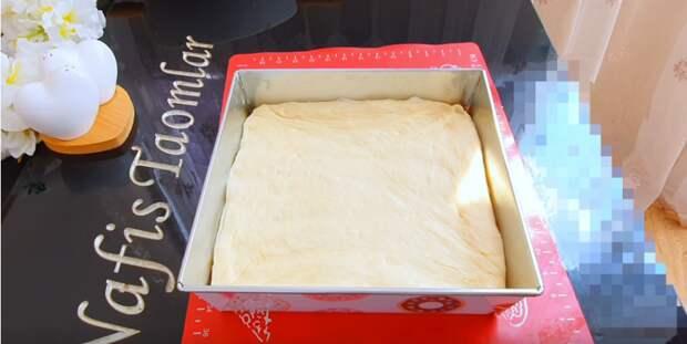 Пирог «Незваный гость» стал любимым. Каждому по вкусу, ведь в нем несколько начинок