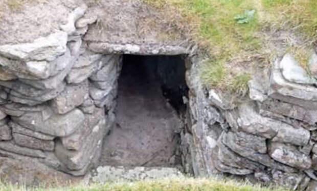 Затерянный город за древней плитой: пастух нашел вход за камнем