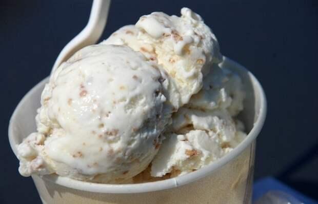 Безумное соревнование: чемпионат мира по поеданию мороженого.