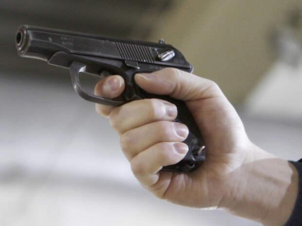 Убийцу трех человек в Екатеринбурге задерживали с военными и стрельбой