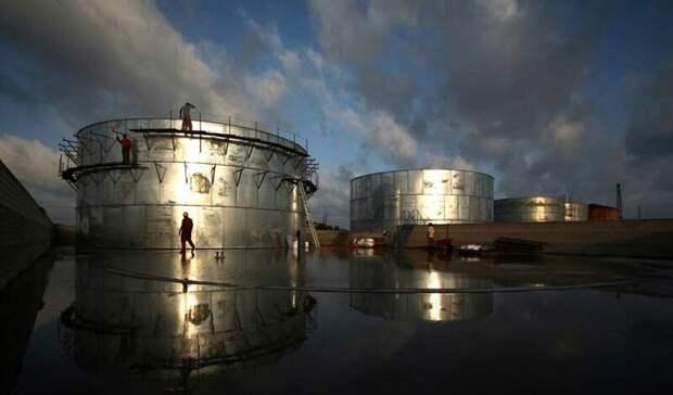 Цена нанефть растет наданных осокращении запасов вСША