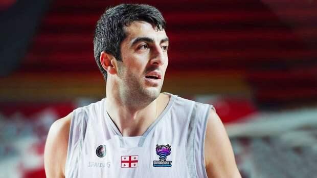 Грузинского баскетболиста, который провел ночь в аэропорту из-за проблем с визой, впустили в Россию