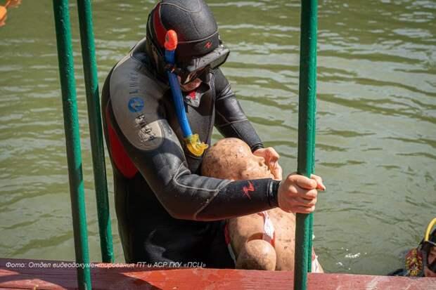 В Пожарно-спасательном центре Москвы определили лучшего спасателя