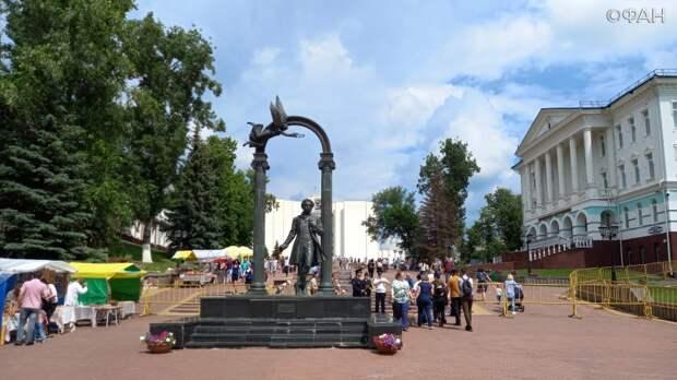 Рубка шашкой и мордовские песни: Саранск отмечает День России и 380-летие