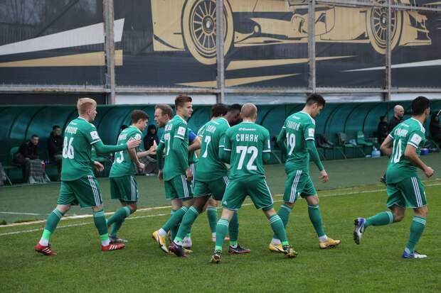 Футбольный «Енисей» уступил в Томске