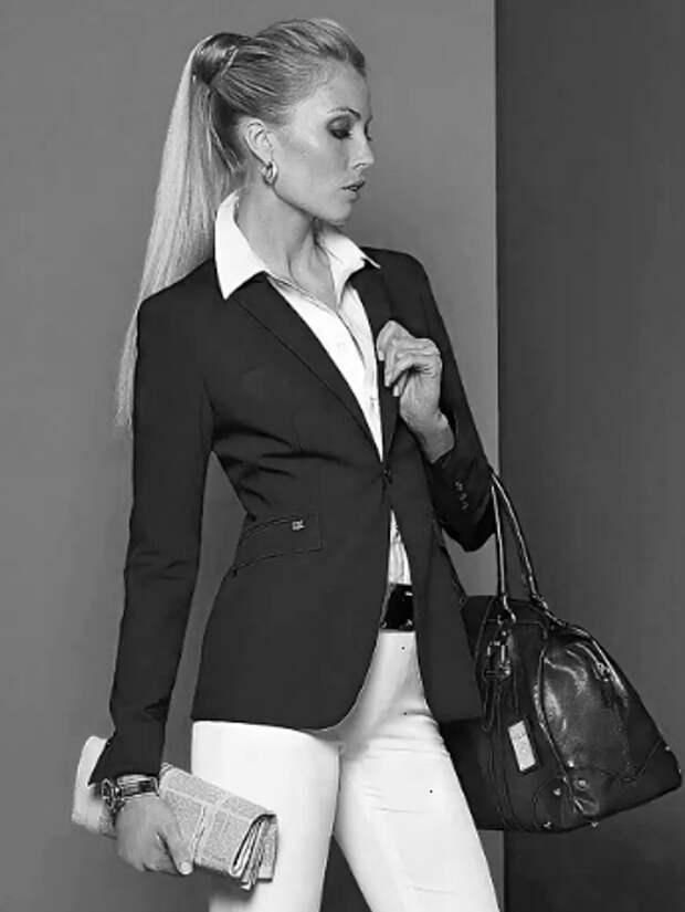 Аромат для бизнес-леди. Какой парфюм отлично подойдет под деловой костюм в офис (2 ч.)