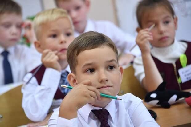 В Минпросвете признали, что не у всех детей страны есть возможность учиться дистанционно