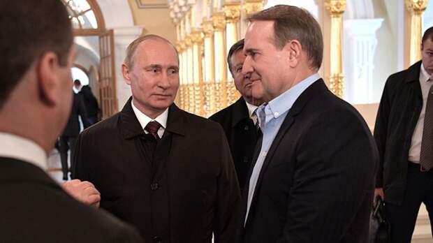 Политолог назвал цели преследования Медведчука на Украине