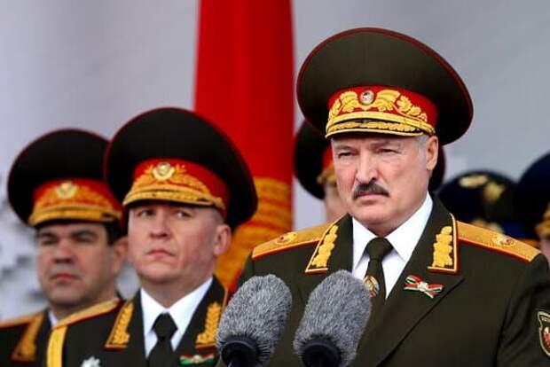 Лукашенко наказал выступивших против него силовиков