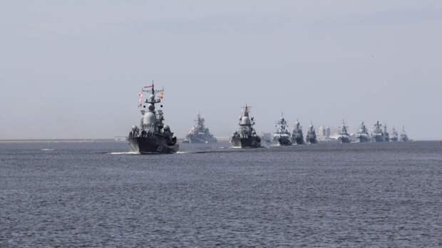 Моряки Тихоокеанского флота ВМФ РФ провели тренировку по борьбе за живучесть корабля