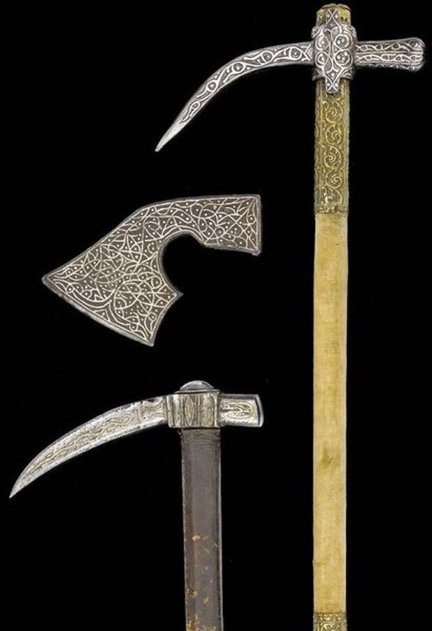 Два турецких образца XVII века и топор