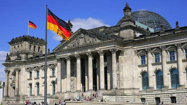 Немецкий политолог Рар развеял мечты «левых» об официальном праздновании 8 мая в Германии