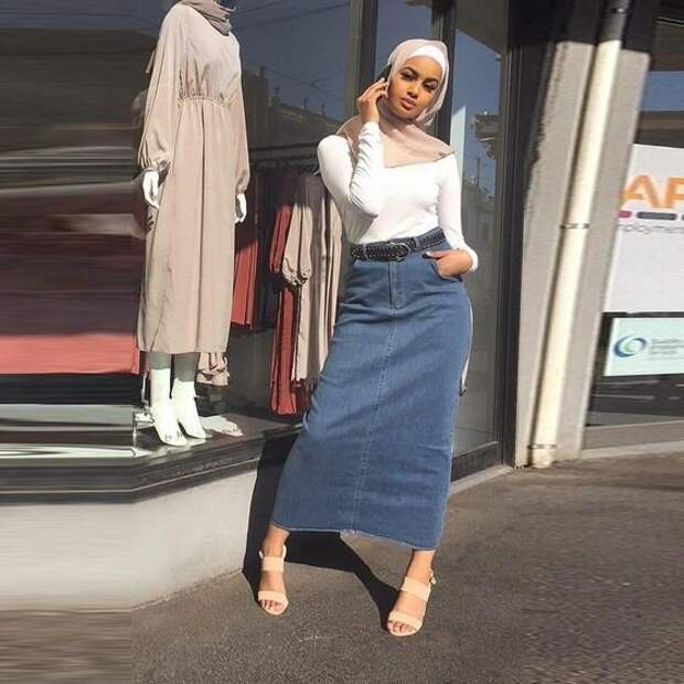 Джинсовая юбка макси: Украсит гардероб модницы в любом возрасте