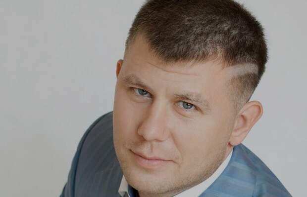 Евпаторийскому депутату Волошину и его помощнице вменяют вымогательство
