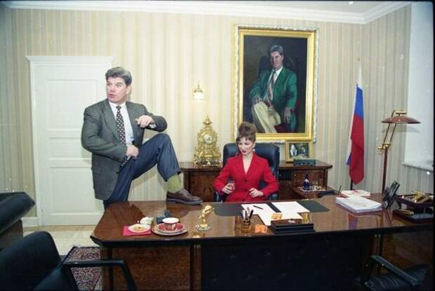 Самые эпатажные политики 90-х