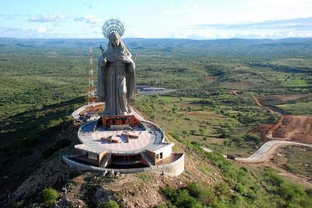 Самые большие статуи в мире
